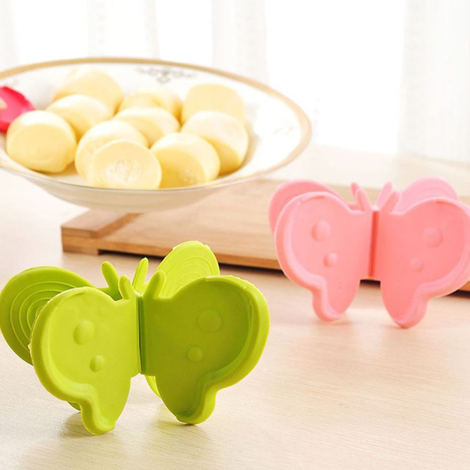 1pc Adorable Butterfly-Shaped Silicone Anti-Scald Device With Magnets Kitchen Tool Gadget Random Colors