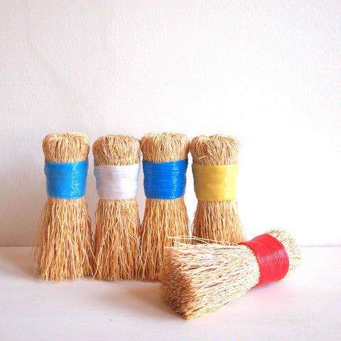Hannah Quinn: Scrub Brushes