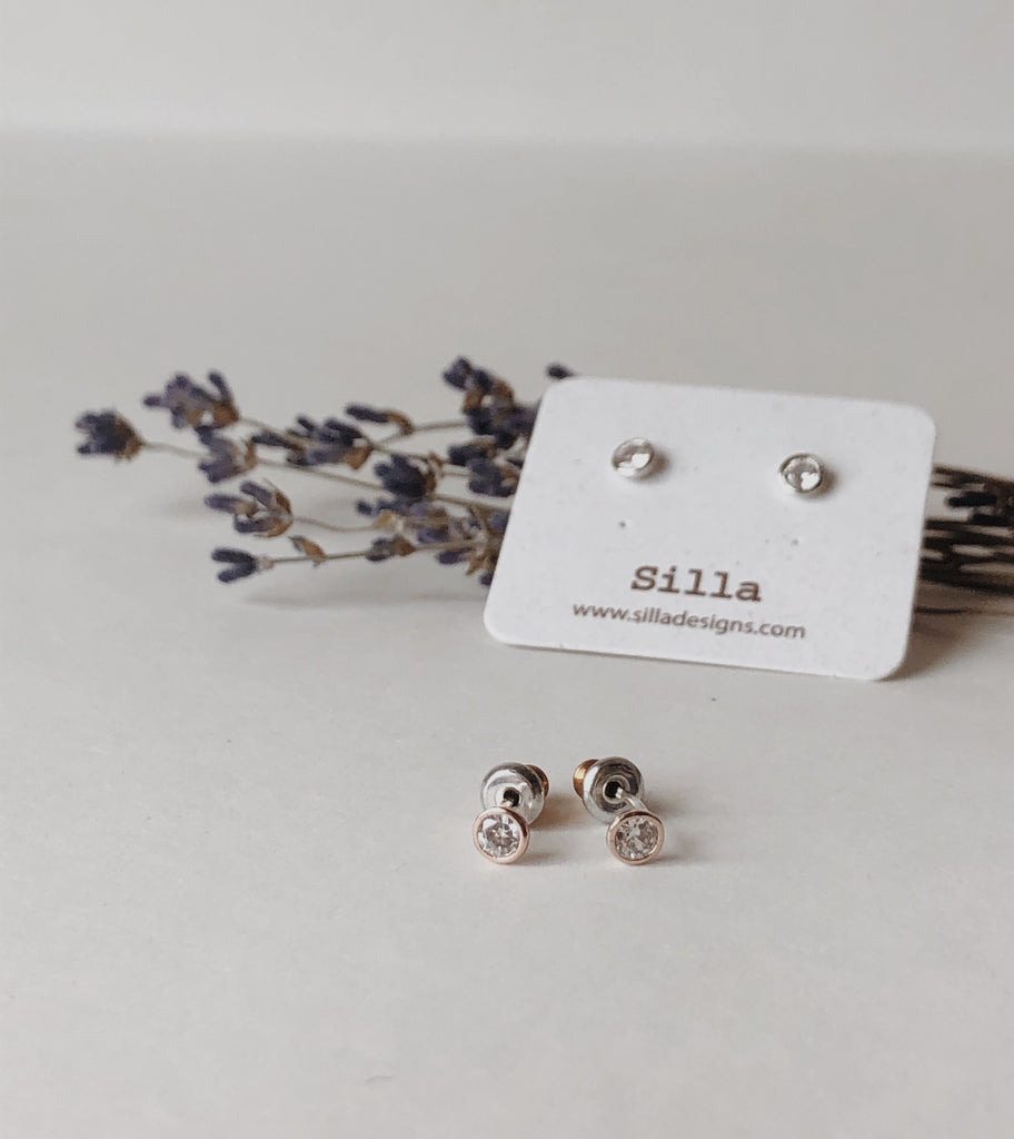 Clair Stud Earrings