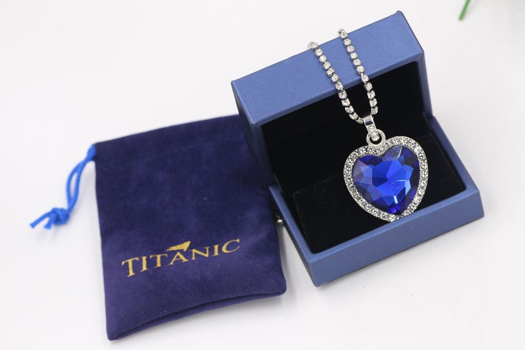blue heart love Necklace + velvet bag