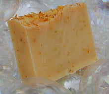 Load image into Gallery viewer, LemonGrass Sage Soap