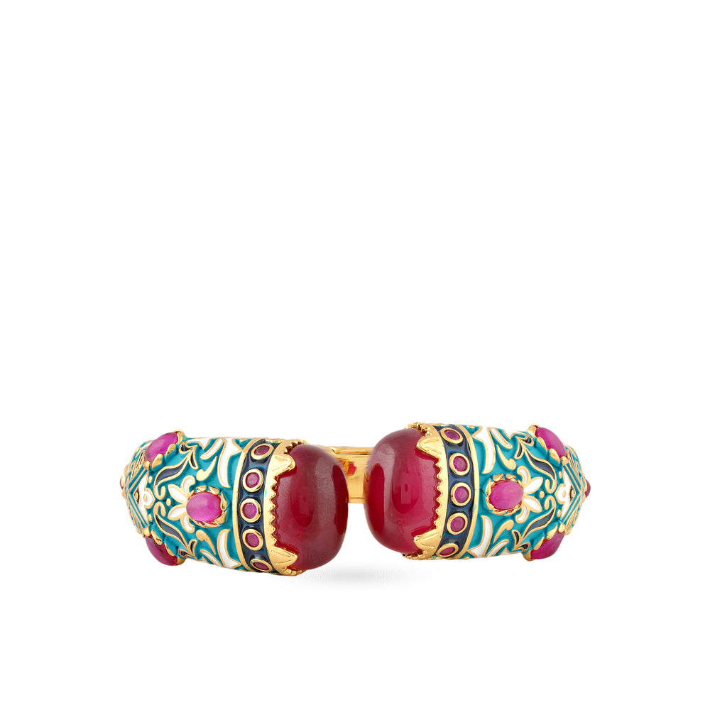 The stuning Kadence bangle with enameling and red stones.