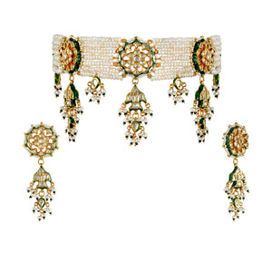 Gold plated silver mix base metal kundan choker and earrings set with real pearls. The set has handpainted meenakari work at the back of the set.