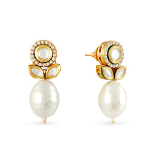Load image into Gallery viewer, Gold plated uncut kundan earring with pearl drops.