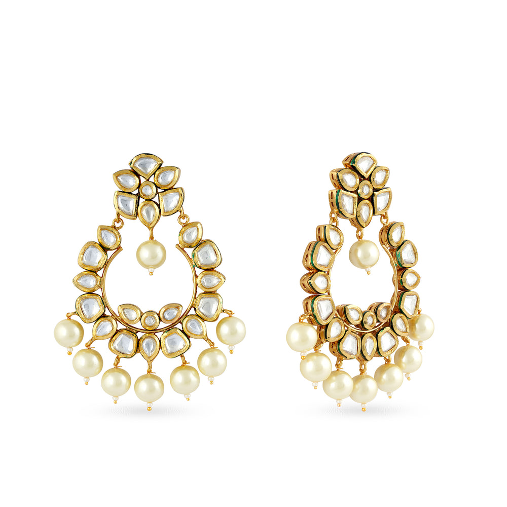 Load image into Gallery viewer, Gold plated kundan chaandbaali earrings.