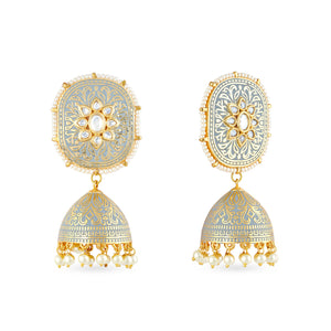 Load image into Gallery viewer, Gold plated kundan earrings with meenakari work .