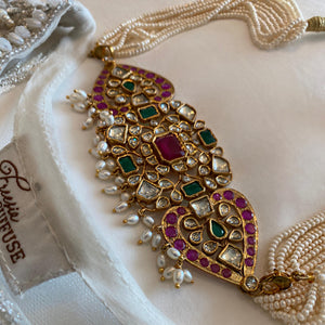 Semi-precious stone kundan choker with pearl beads. Pakistan jewellery UK SCOTLAND EDINBURGH.