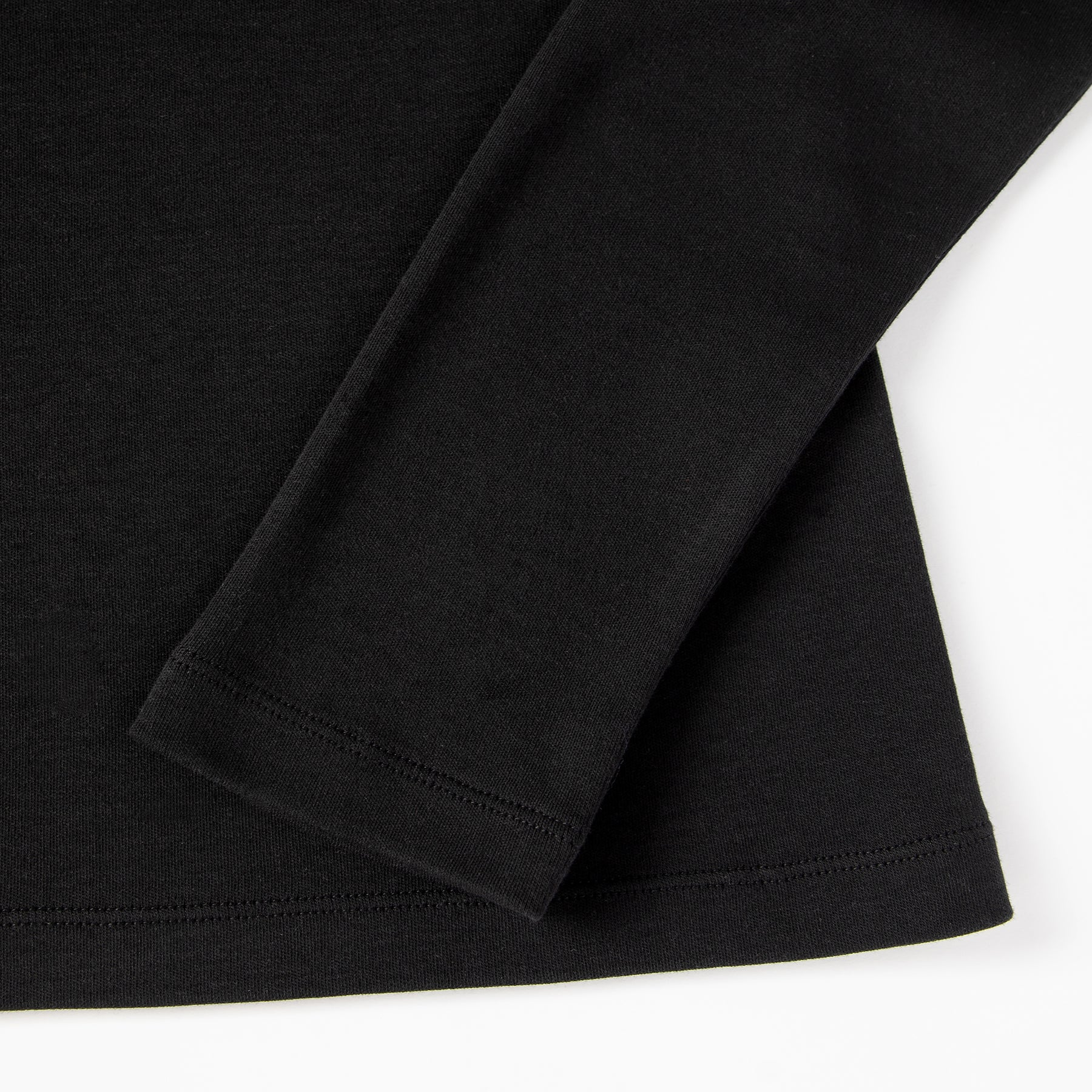 Black eco turtleneck. GOTS certified textile. 100% natural. Sustainable fashion.