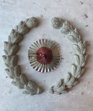 Concrete Laurel Ornament