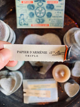 Load image into Gallery viewer, Papier D'Armenie Scented Incense Papers
