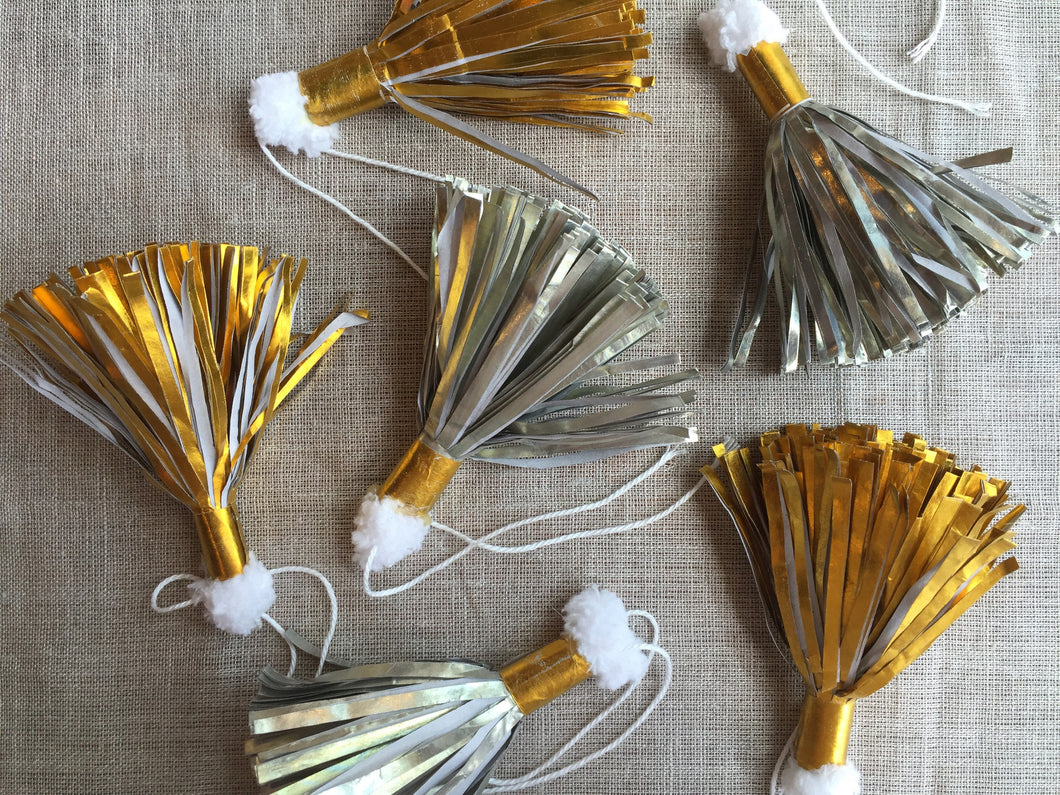 Assorted Metallic Paper Tassels - PARCEL