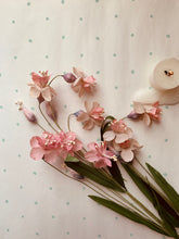 Load image into Gallery viewer, Pink Lily Sprays - PARCEL