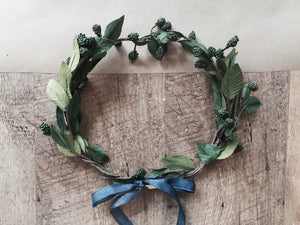Wirey Berry Wreathes - PARCEL