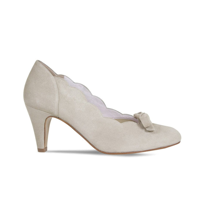 Pebble Suede Mid Heel Pump for Bunions with Scallop Edge and Cute Bow