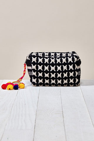 GEO CLUTCH/COSMETIC BAG
