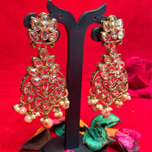 Load image into Gallery viewer, peach-kundan-earrings
