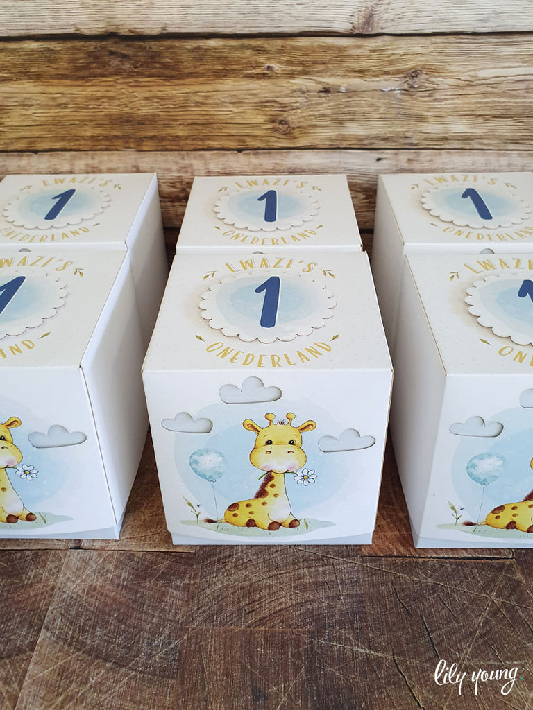 Water colour Giraffe Box - Pack of 12