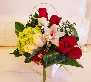 Love Bird - www.bloomfloralshop.com