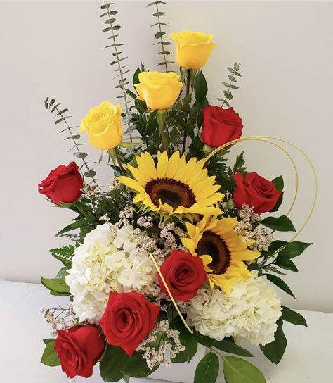 Love at sunrise - www.bloomfloralshop.com