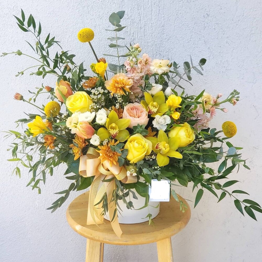 Mellow Yellow - www.bloomfloralshop.com
