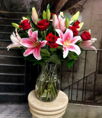 True to You - www.bloomfloralshop.com
