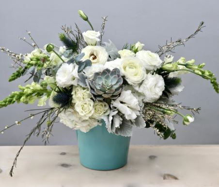 Calm Breeze - www.bloomfloralshop.com