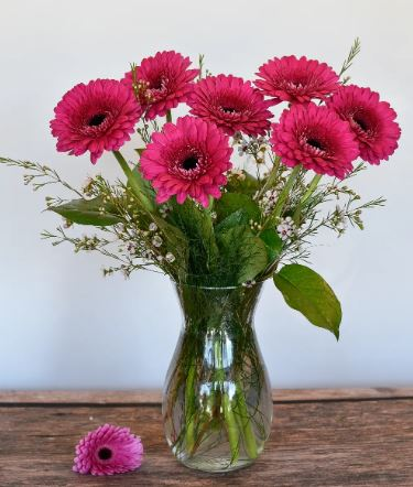 gerbera daisy pink bouquet vase chicago il florist 60634 same day flower delivery