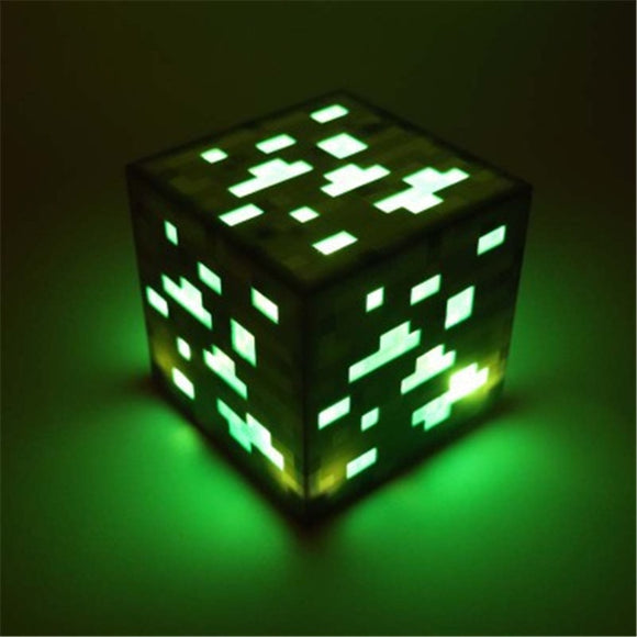 Emerald Ore - Minecraft Premium Light-Up Decoration Ore