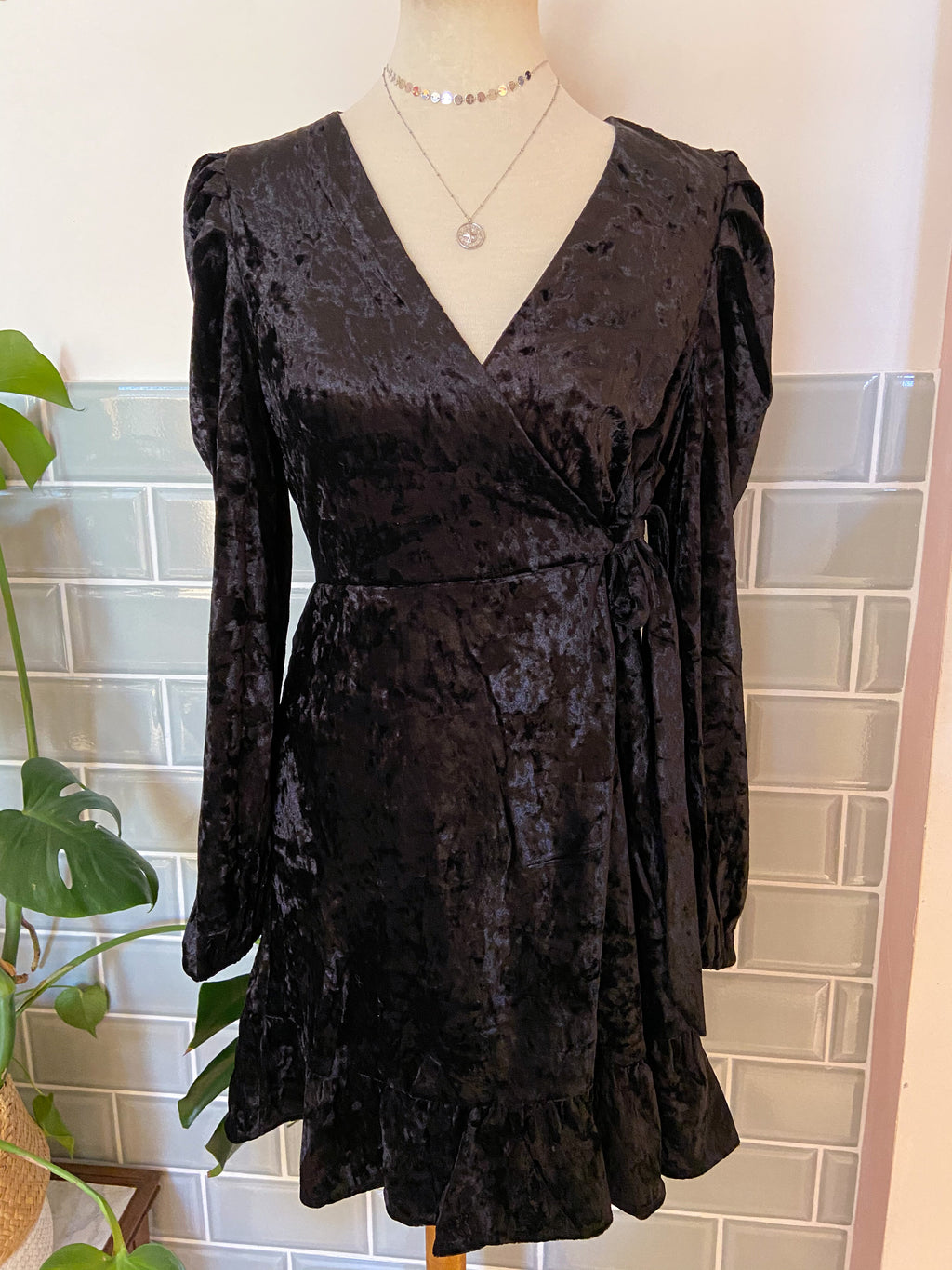 Perfect Black Velvet Glam dress