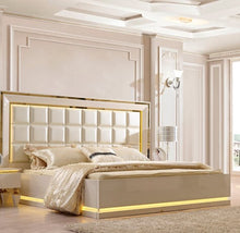 FDC259935 King Bedroom Group