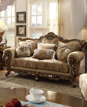 Lavelian Living Room Group (Sofa)