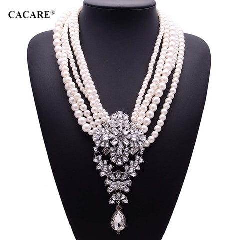 Pendent Pearl Necklace with Rhinestones