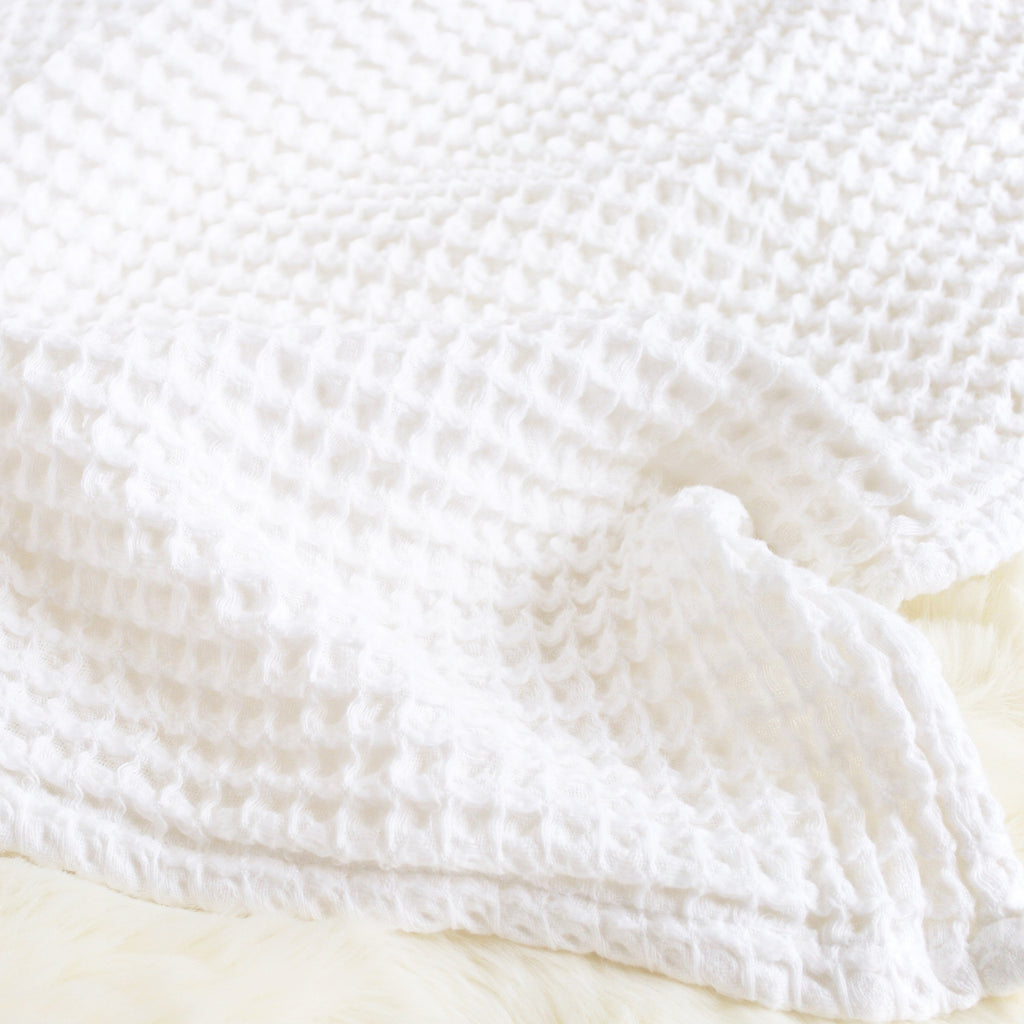 Honeycomb Blanket - White