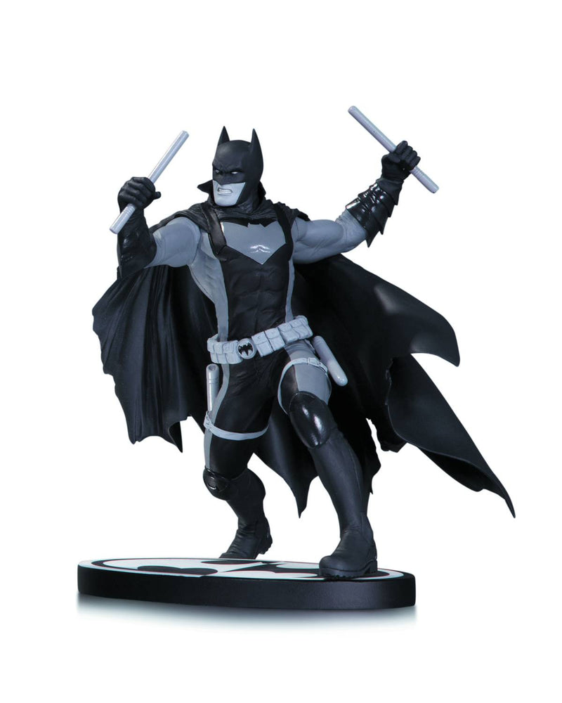 BATMAN BLACK & WHITE EARTH 2 BATMAN STATUE