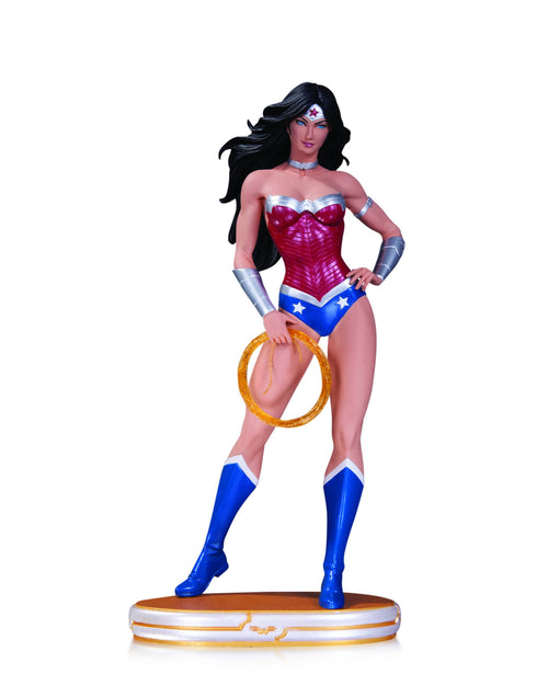 DC COMICS COVER GIRLS: WONDER WOMAN STATUE