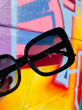 Load image into Gallery viewer, Vintage Inspired Sunglasses Big Square Shape in Black with UV400