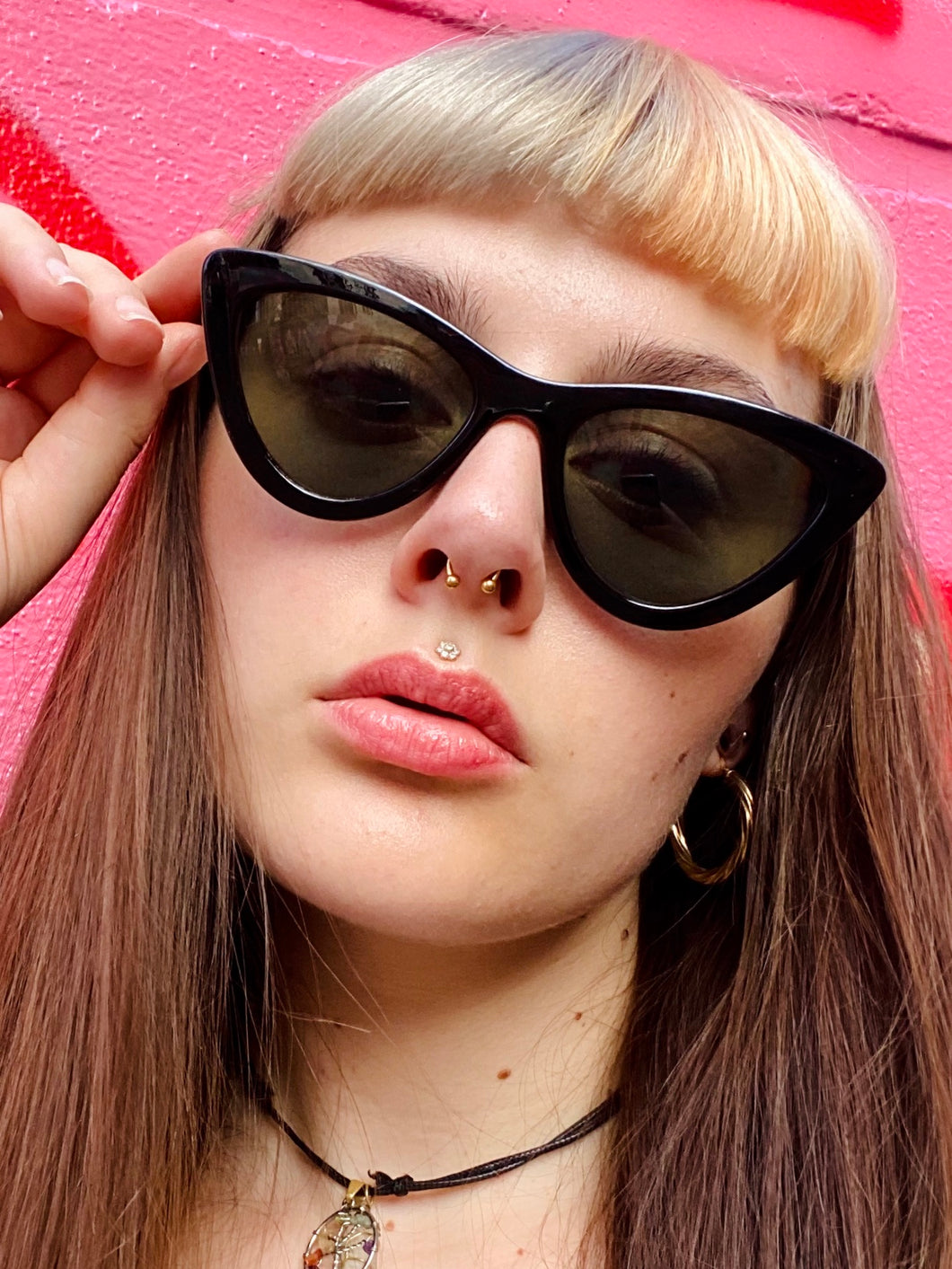 Vintage Inspired Sunglasses Cat Eye Shape in Black with UV400