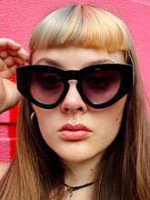 Load image into Gallery viewer, Vintage Inspired Sunglasses Big Cat Eye Shape in Black with UV400
