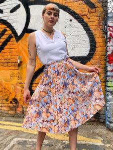 Vintage 70s Skirt Pleated in Pastel Colour Flower Pattern in XS