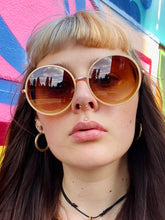 Load image into Gallery viewer, Vintage Inspired Sunglasses Big Round Shape in Cream and Gold with UV400