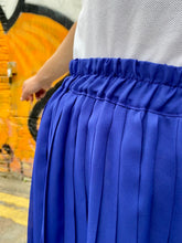 Load image into Gallery viewer, Vintage 70s Skirt Pleated Midi in Blue in S