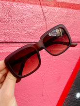 Load image into Gallery viewer, Vintage Inspired Sunglasses Square Shape in Brown Matt with UV400