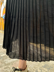 Vintage 70s Skirt Pleated in Black in S/M