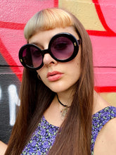 Load image into Gallery viewer, Vintage Inspired Sunglasses Big Round Shape in Black with UV400