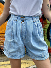 Load image into Gallery viewer, Vintage 90s Denim Shorts in Light Blue Wash in S