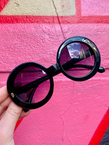 Vintage Inspired Sunglasses Big Round Shape in Black with UV400