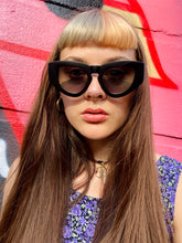 Load image into Gallery viewer, Vintage Inspired Sunglasses Big Cat Eye Shape in Black Matt with UV400