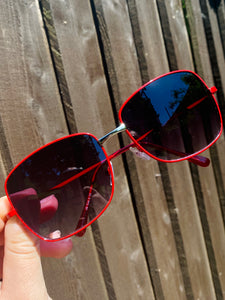 Vintage Inspired Sunglasses Square Shape in Red with UV400 Glass