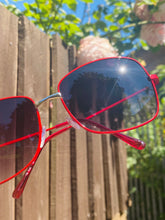 Load image into Gallery viewer, Vintage Inspired Sunglasses Square Shape in Red with UV400 Glass