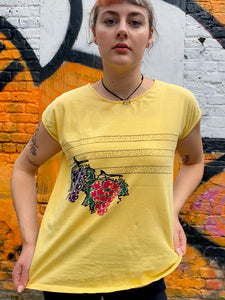 Vintage 80s T-Shirt in Yellow with Grapes Print in M